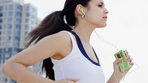 Become a Better Runner: 3 Reasons To Run Without Earphones