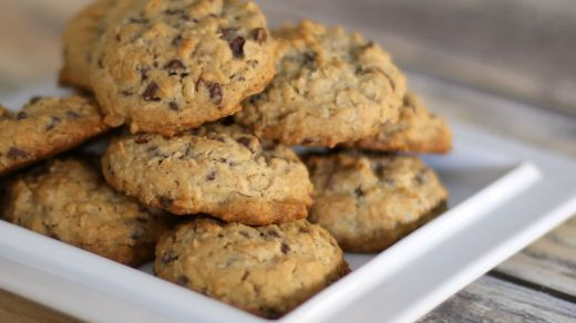 Easy Chocolate Chip Oatmeal Cookies